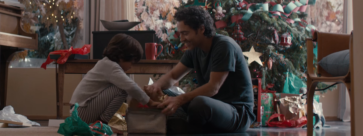 In Holiday Ad Blitz, Emotional Commercials Come Out on Top
